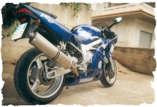 R6 1999.jpg