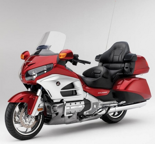 12_GoldWing_Det01_Red_lr.jpg