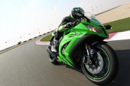 Kawasaki_ZX-10R_Ninja_2011_test_Motociclismo_3.JPG_630.jpg
